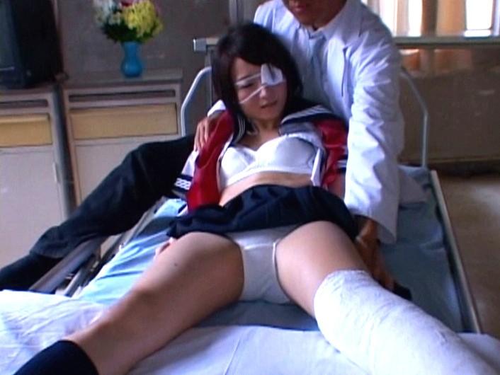 大怪我した女の子を犯す画像怖すぎワロタ。。。(画像あり)・14枚目