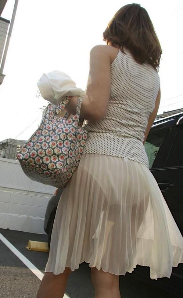 夏になると街中で見かける透けファッション、さすがに過激すぎるwwwww(画像あり)・17枚目