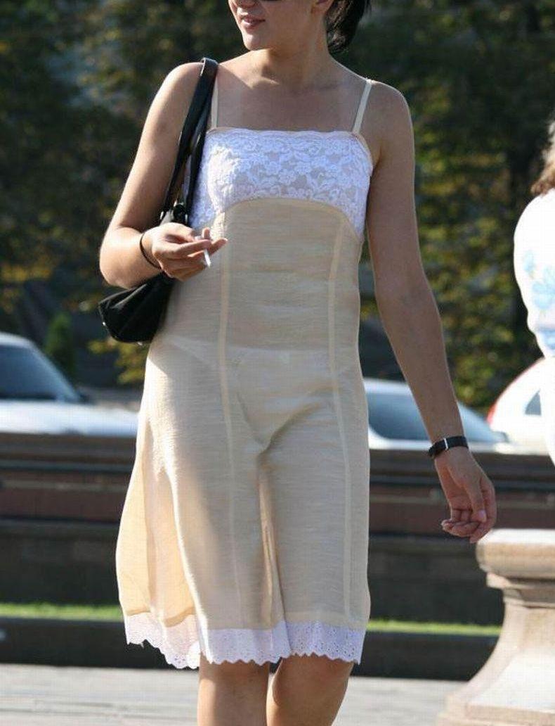 夏になると街中で見かける透けファッション、さすがに過激すぎるwwwww(画像あり)・25枚目