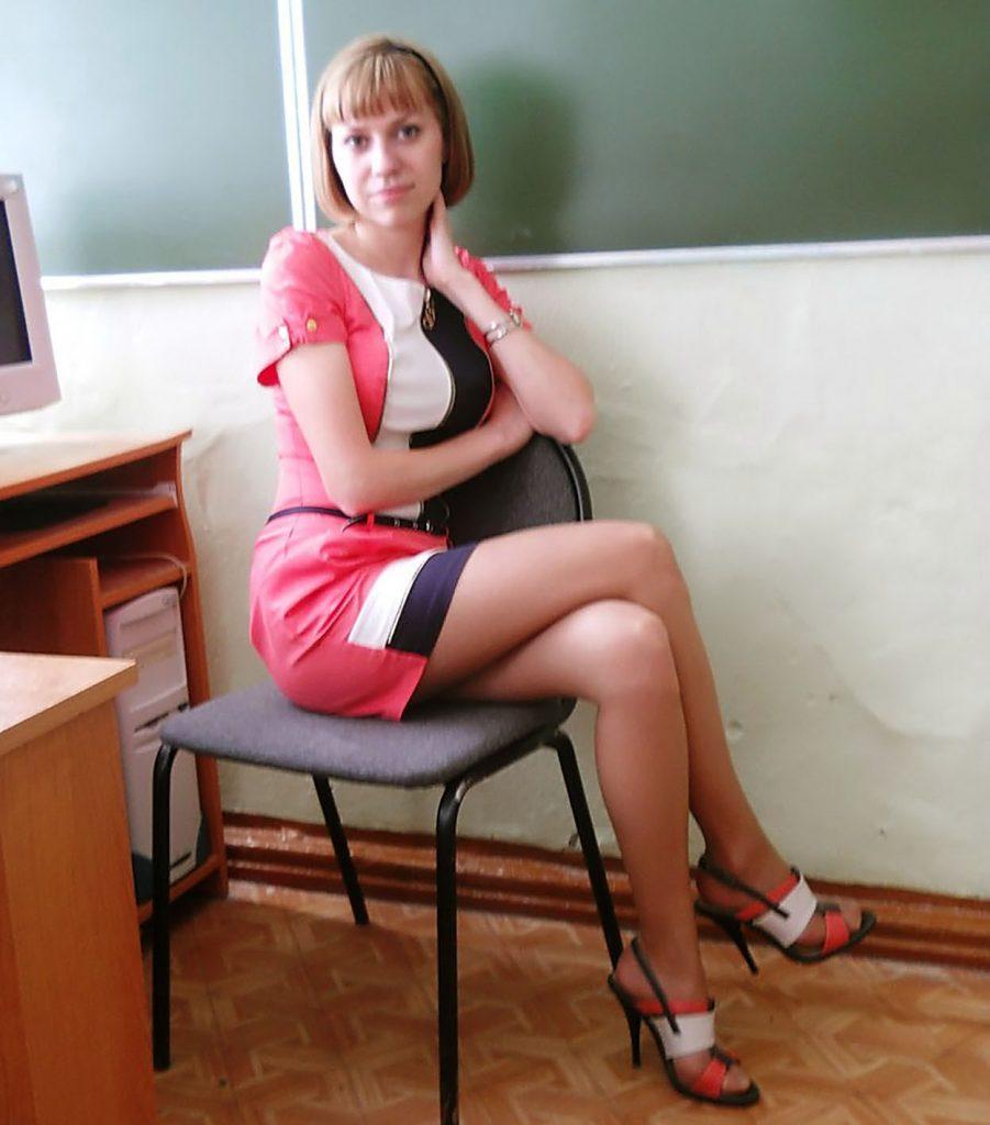 授業参観でお父さんが集まるロシアの女教師の画像集(34枚)・31枚目