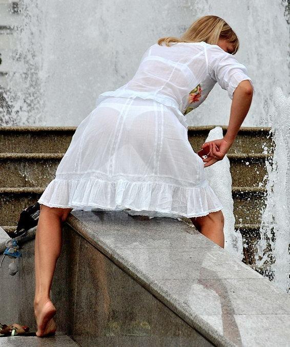 夏になると街中で見かける透けファッション、さすがに過激すぎるwwwww(画像あり)・6枚目