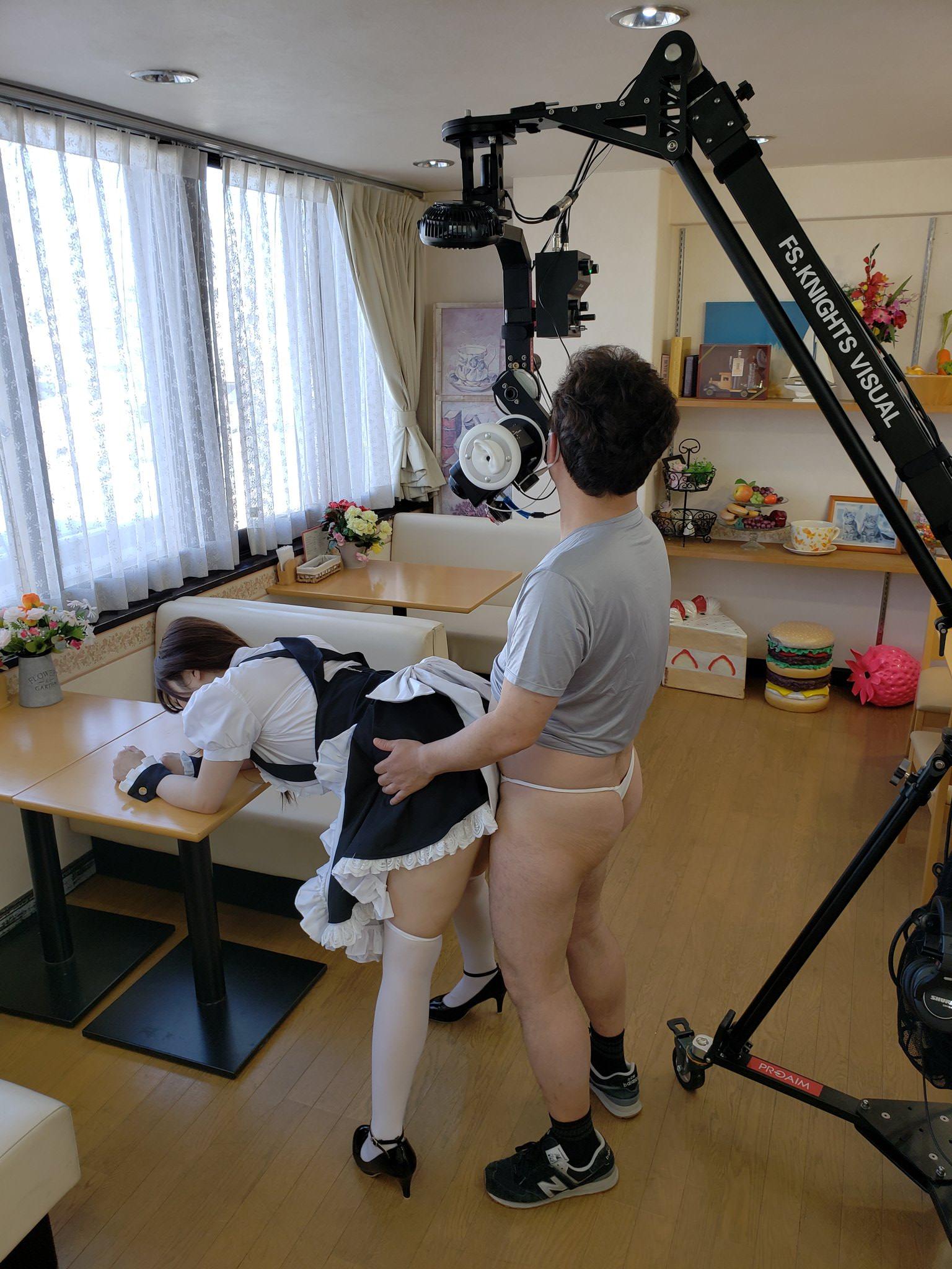 アダルトVRの撮影現場、ドヤ顔でセックスしてたwwwww(画像あり)・1枚目
