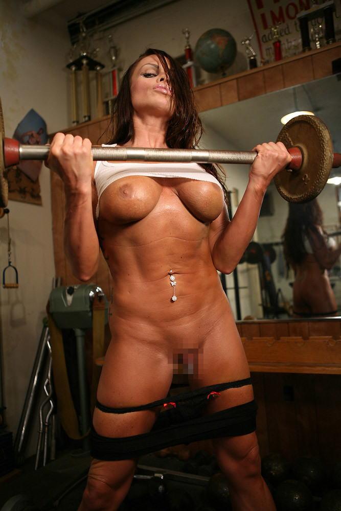 トレーニングする女子がエロ過ぎて集中できないんだが・・・(画像40枚)・16枚目
