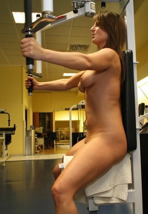 トレーニングする女子がエロ過ぎて集中できないんだが・・・(画像40枚)・17枚目