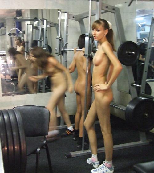 トレーニングする女子がエロ過ぎて集中できないんだが・・・(画像40枚)・21枚目