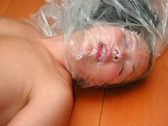 【画像あり】「窒息責め」とかいうプレイ、、、これは死ぬ。・21枚目