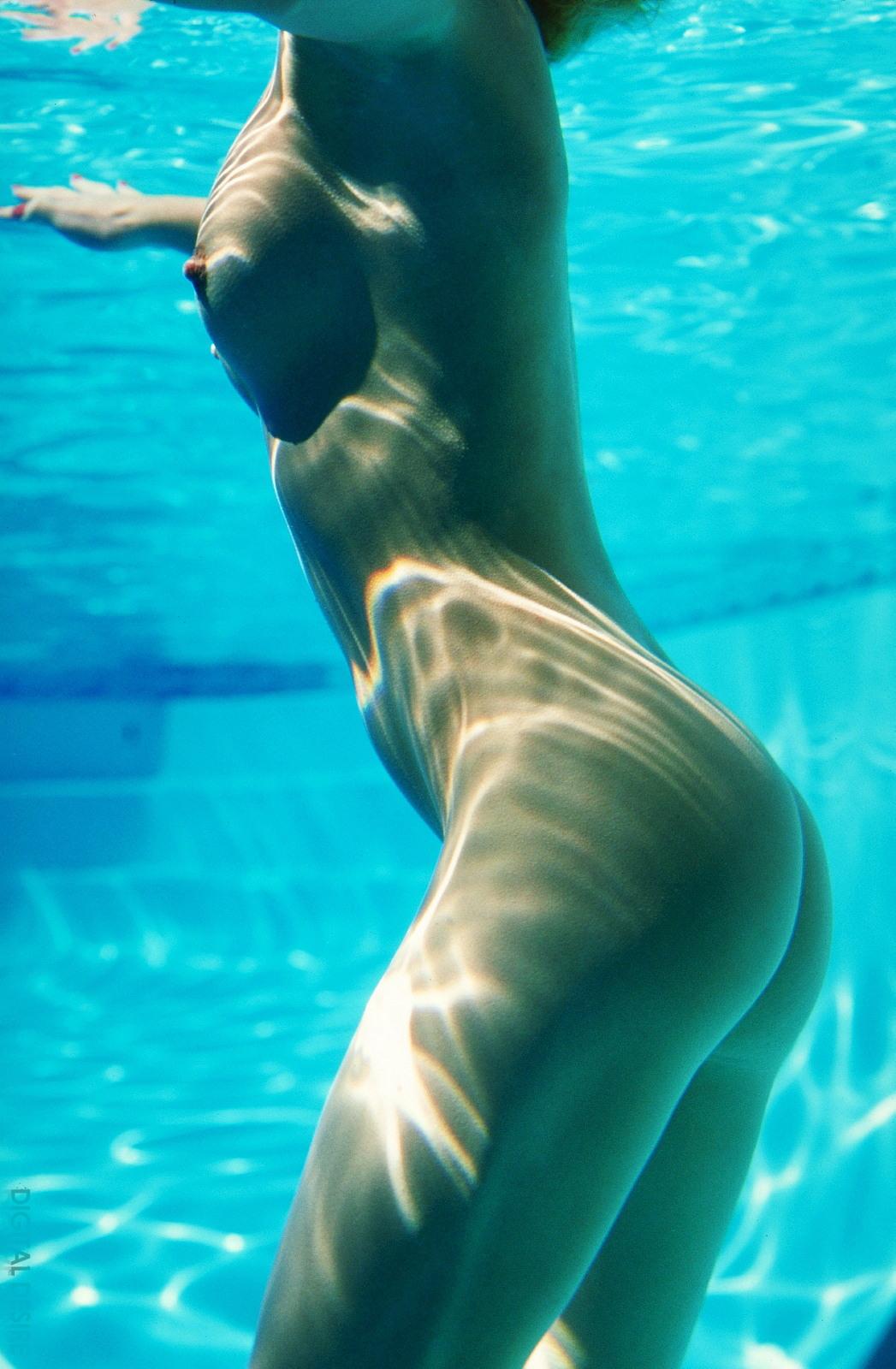 夏のプールで乳首全開放してるセレブ達wwwwwwwwwwww(画像37枚)・22枚目