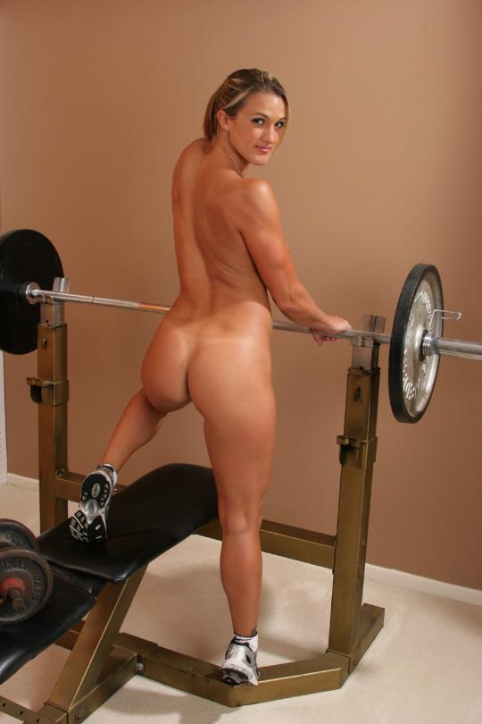トレーニングする女子がエロ過ぎて集中できないんだが・・・(画像40枚)・23枚目