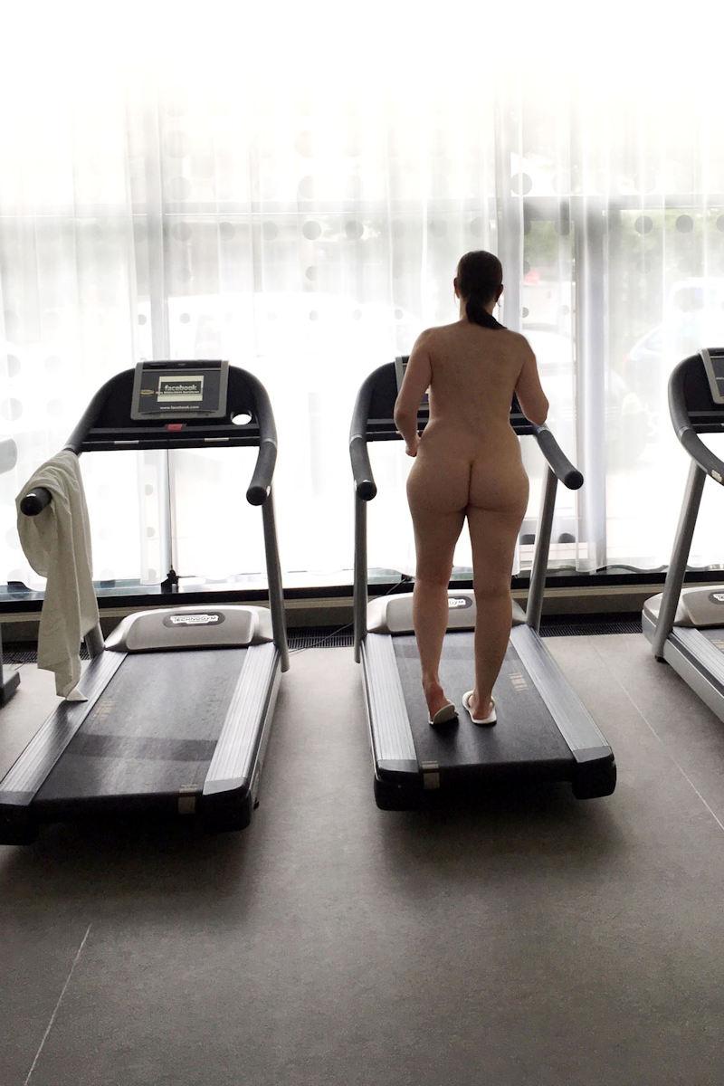 トレーニングする女子がエロ過ぎて集中できないんだが・・・(画像40枚)・24枚目