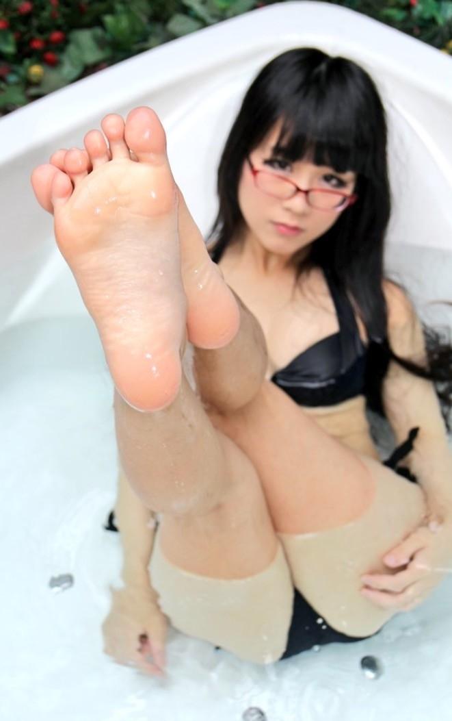 【フェチ】美女の足裏の興奮度は異常wwwwwwwww(画像20枚)・4枚目