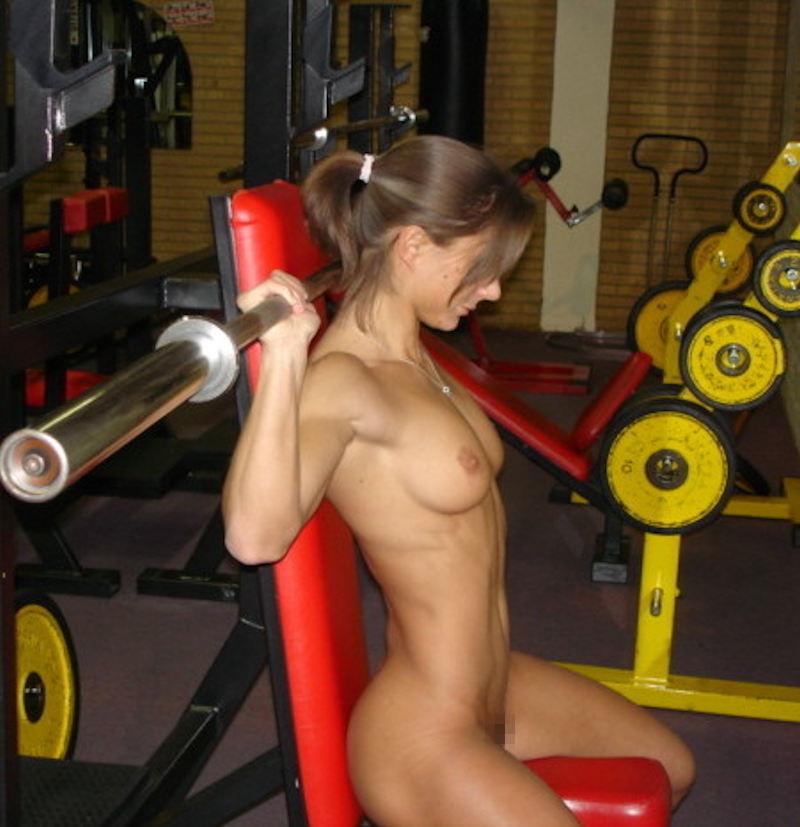トレーニングする女子がエロ過ぎて集中できないんだが・・・(画像40枚)・40枚目