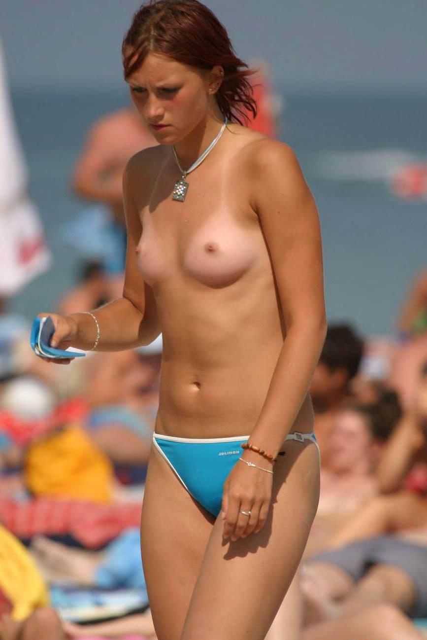 ヌーディストビーチでちっぱい女子の撮影に成功するwwwwwwww(画像あり)・26枚目