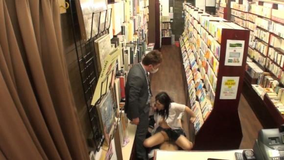 近所の本屋さえ行かせられない日本\(^o^)/オワタwwwwwww(画像あり)・34枚目