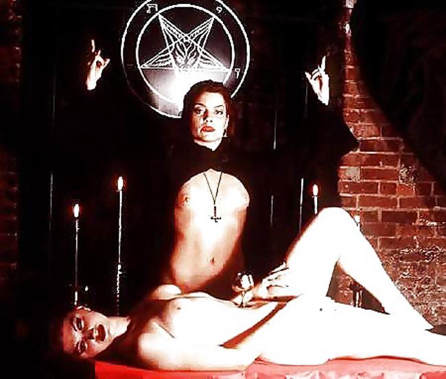 女を生贄にする海外のエロい儀式。(画像34枚)・13枚目
