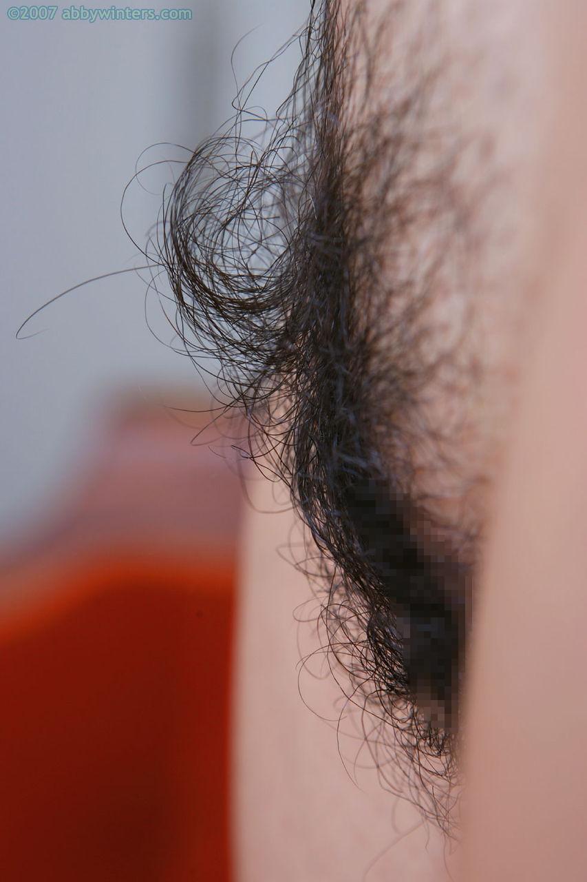 【ドン引き】美少女なのにマン毛を一切処理しないギャップがエロい女wwwwww(画像あり)・18枚目