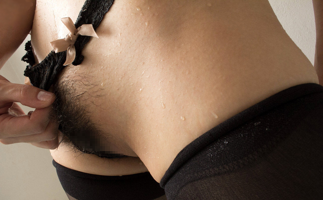 【ドン引き】美少女なのにマン毛を一切処理しないギャップがエロい女wwwwww(画像あり)・27枚目
