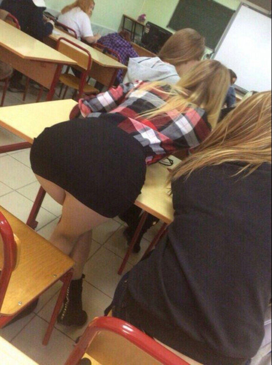 ロシアの女子校内で女の子たちがいかにエロいことしてるかよくわかる画像集(33枚)・28枚目