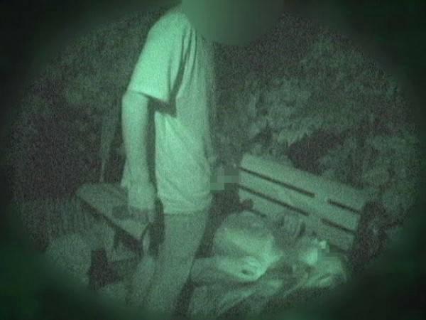 赤外線カメラを公園に設置した結果wwwwwww(画像24枚)・6枚目