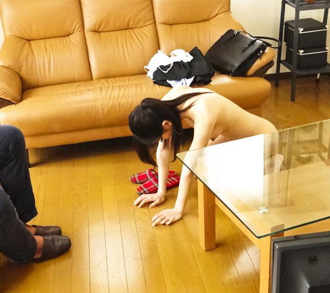 全裸で土下座させられてる女がシュールすぎるwwwwwww(画像22枚)・3枚目