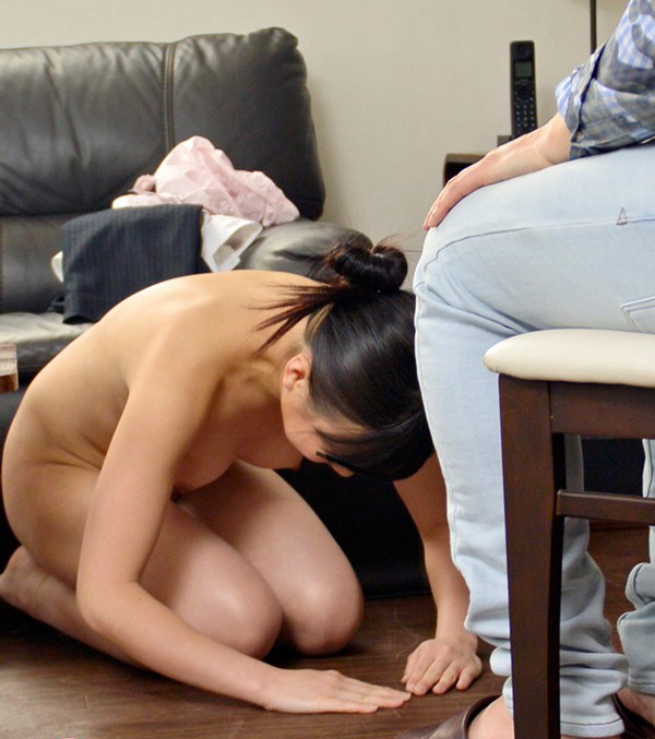 全裸で土下座させられてる女がシュールすぎるwwwwwww(画像22枚)・9枚目